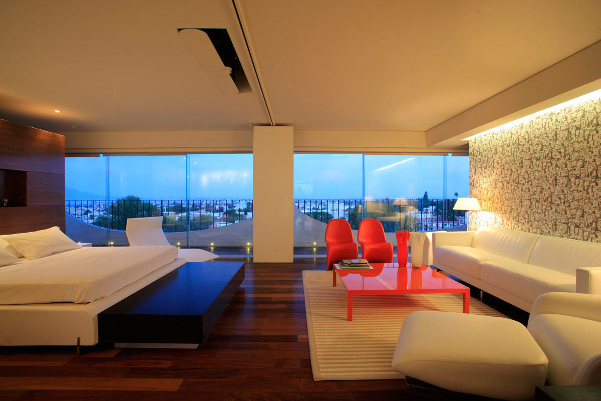 Penthouse-by-Hernandez-Silva-Arquitectos-bedroom