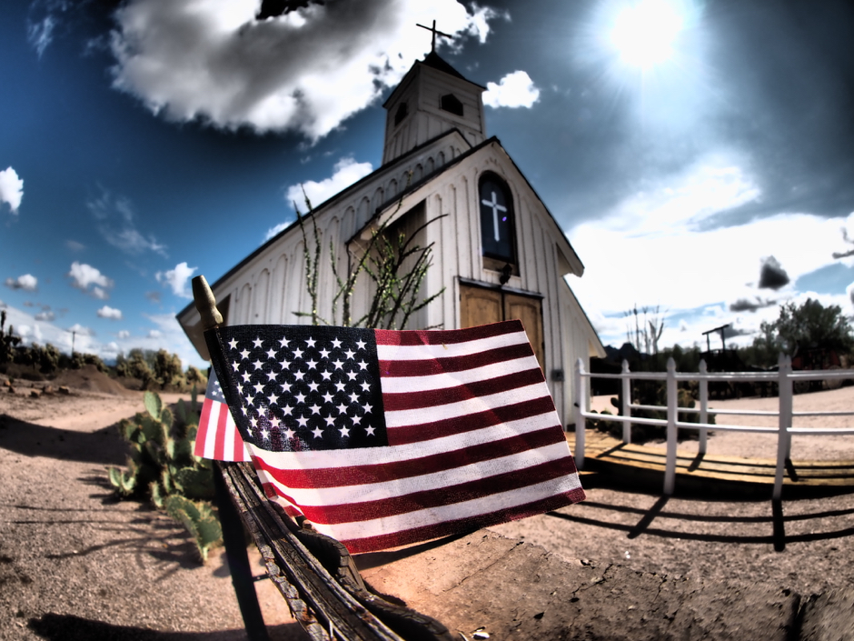 """The Elvis Chapel"" - OM-D E-M1 + 8mm F/1.8 Fish Eye PRO"
