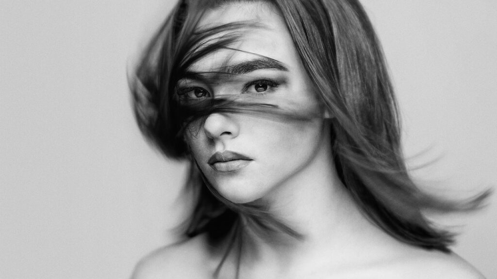 5 Easy Tips to Turn a Basic Portrait into a Stylized Fashion Portrait: Don't Be Afraid of Black & White