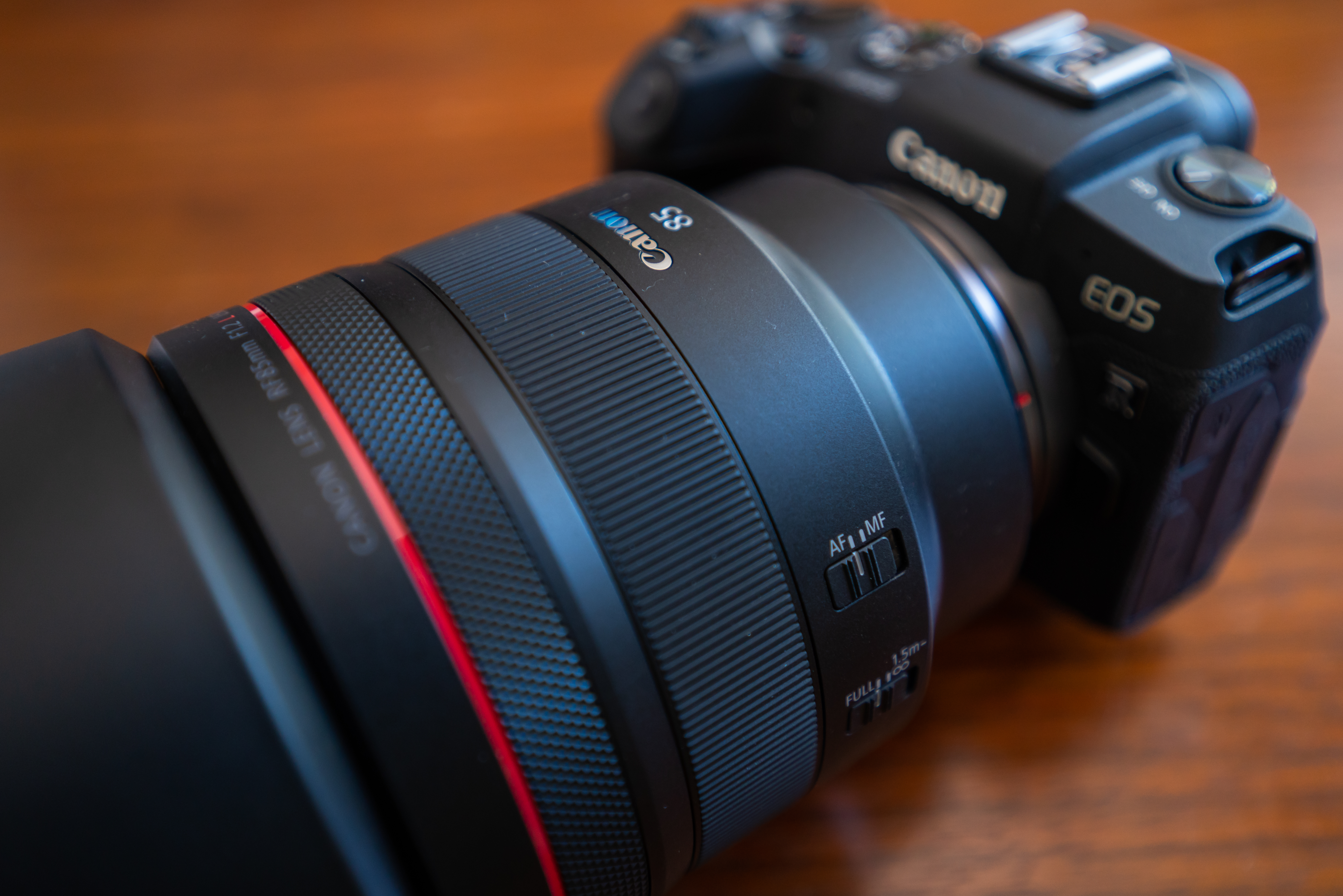 Canon RF 85mm f/1_2L USM Product Image