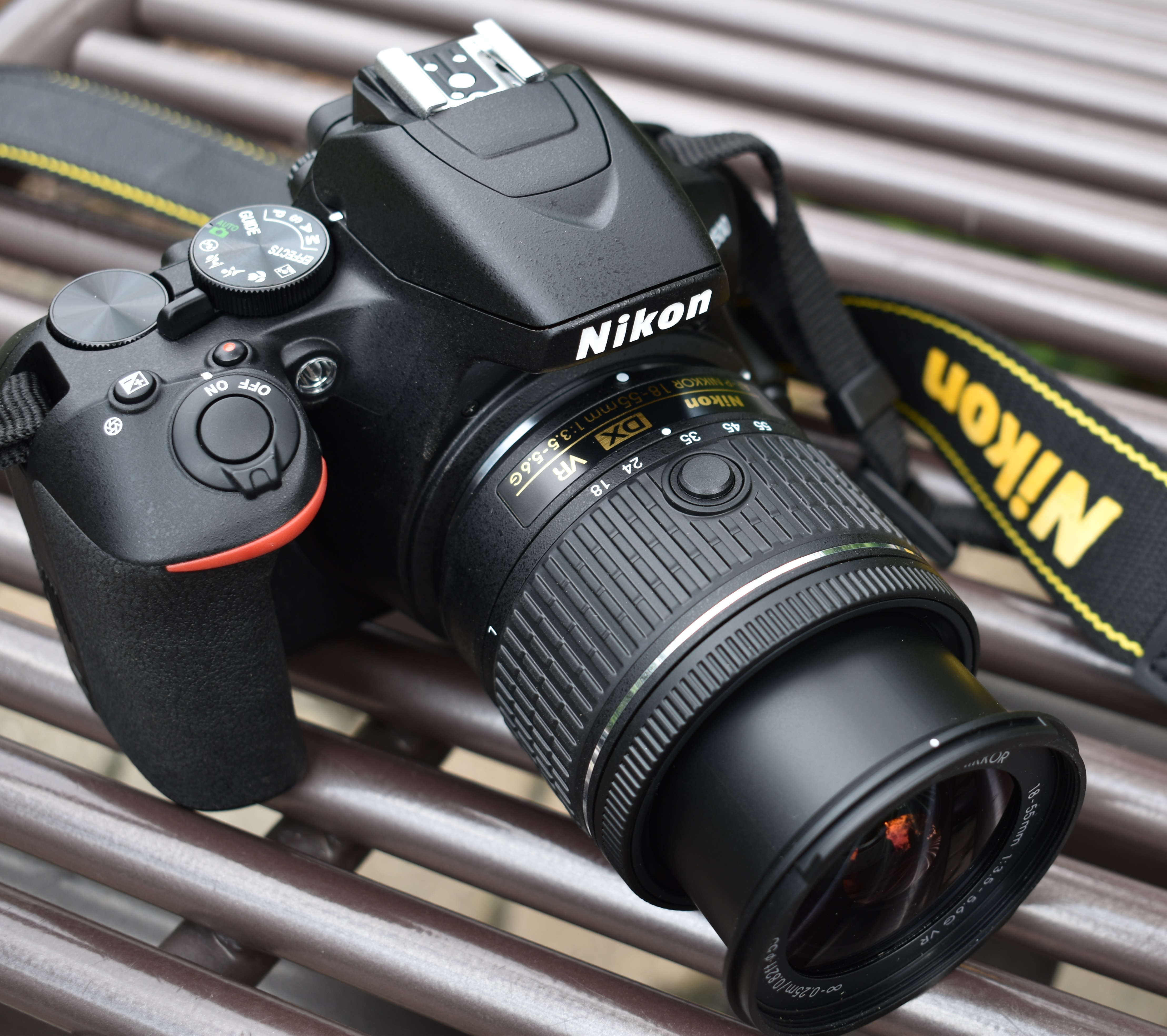 Nikon D3500 top and right view